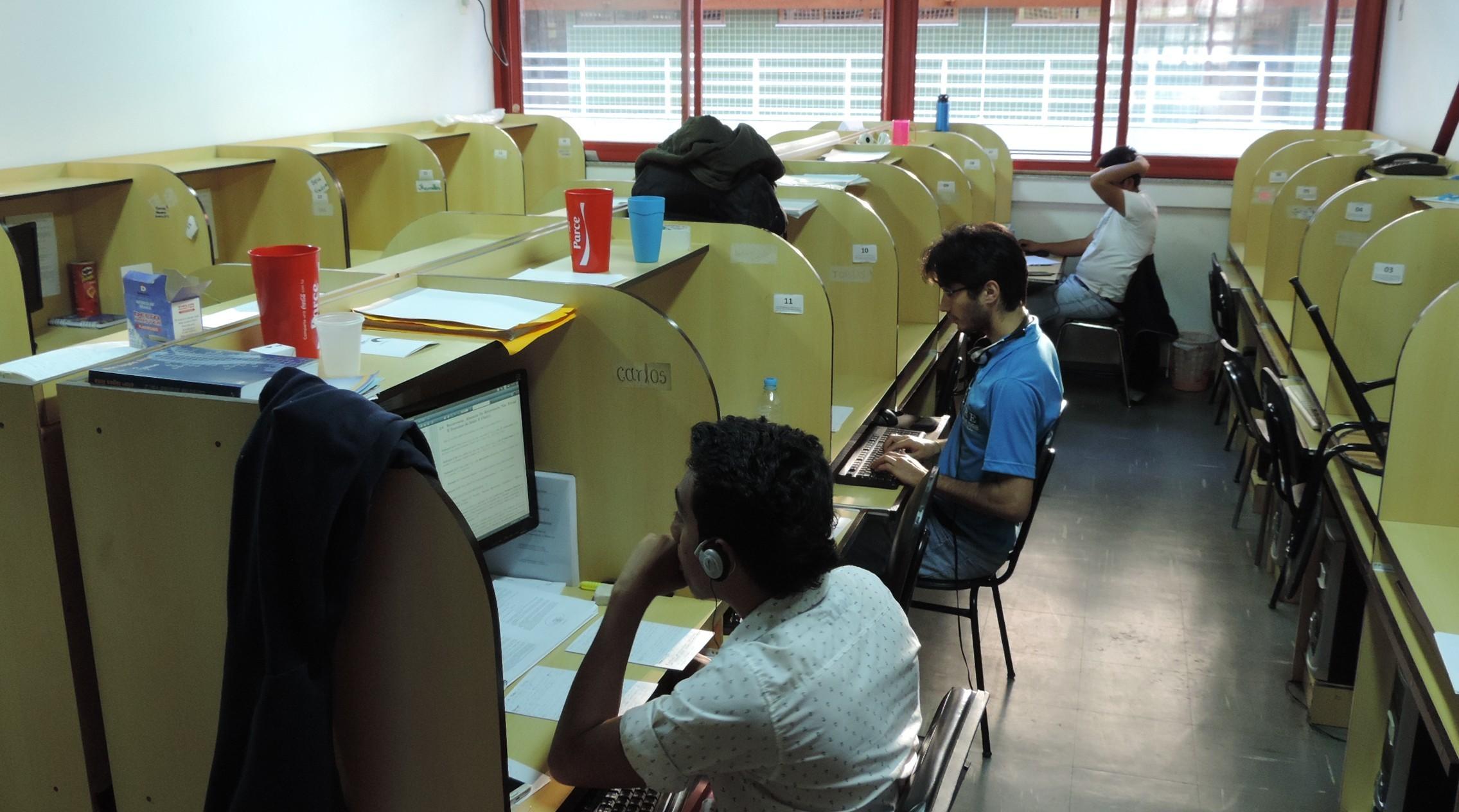 Sala de estudos do mestrado.